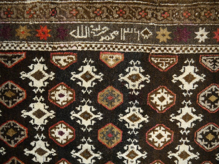 Karabagh Rug Hand Knotted in Azerbeijan, Midcentury In Good Condition For Sale In Lohr, Bavaria, DE