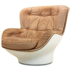 'Karate' Lounge Chair in Fiberglass and Cognac Leather for Airborne Internationa