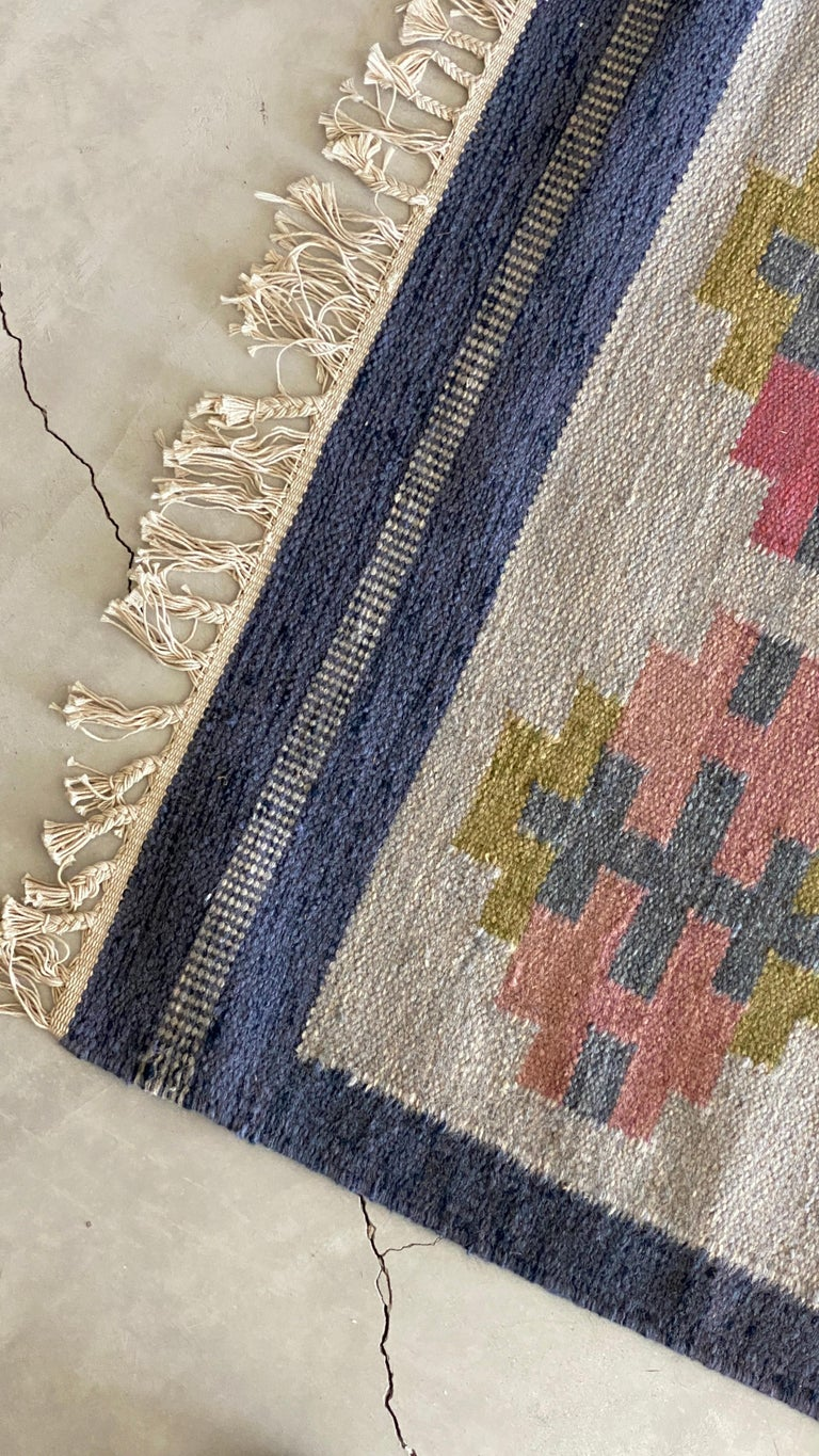 Karin Jönsson, Signed Flat-Weave Carpet, Dyed Wool, Sweden, 1950s In Good Condition For Sale In West Palm Beach, FL
