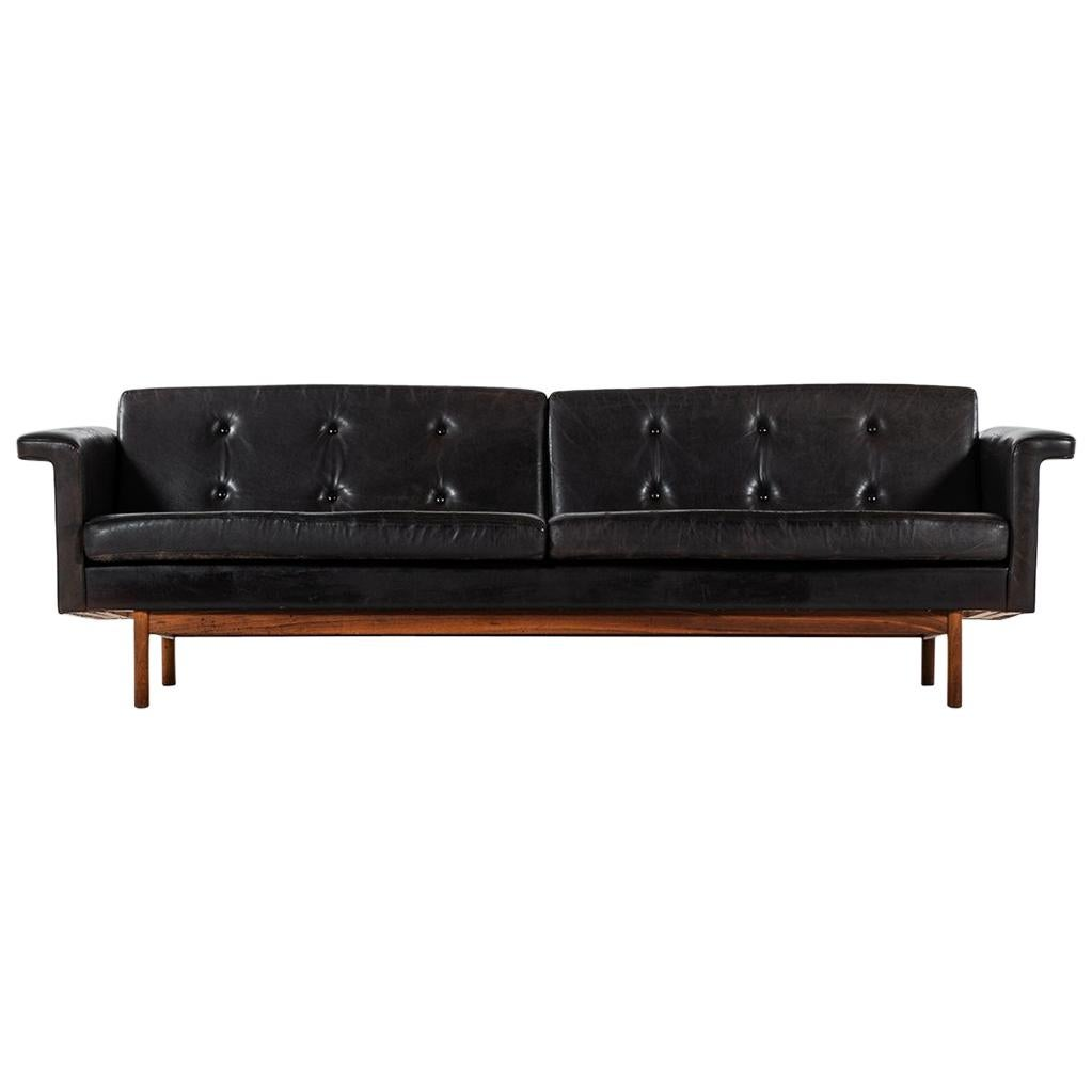 Karl-Erik Ekselius sofa in black leather by JOC in Sweden