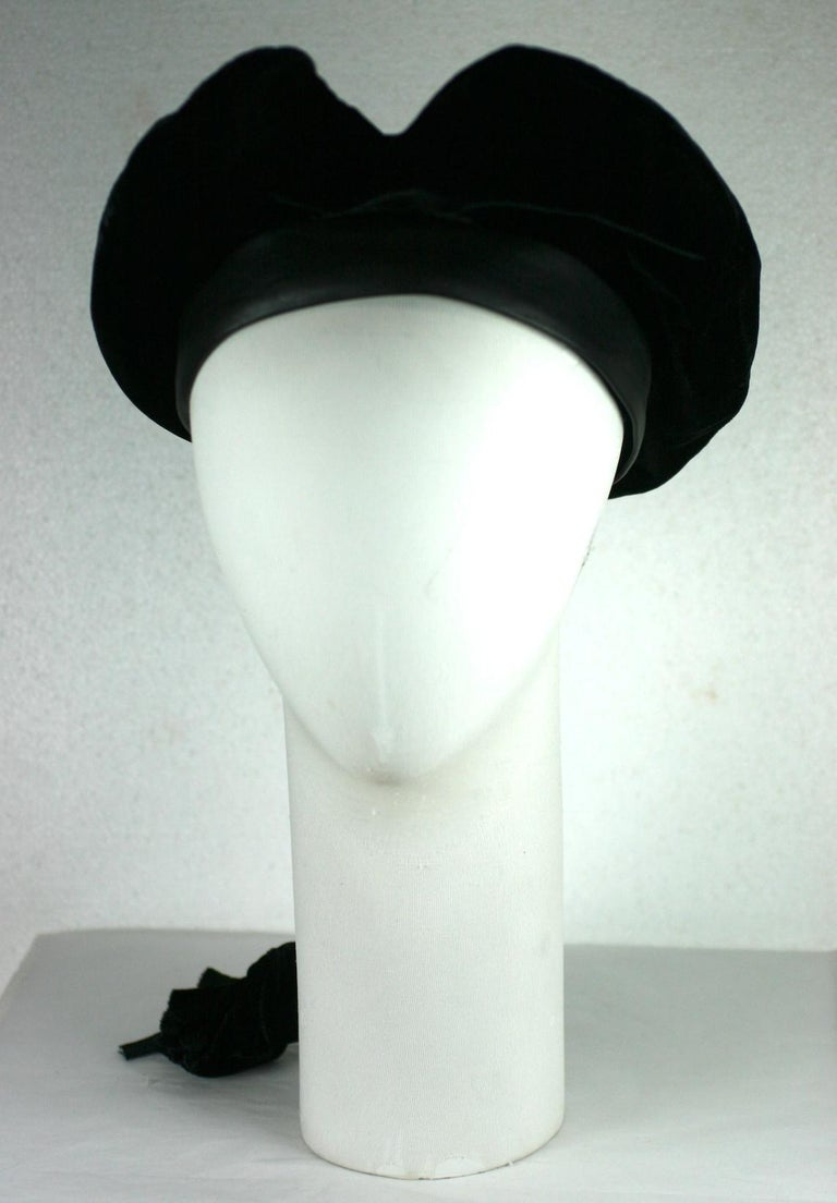 Karl Lagerfeld Velvet Beret with Self Braid from the 1980's. Charming beret with