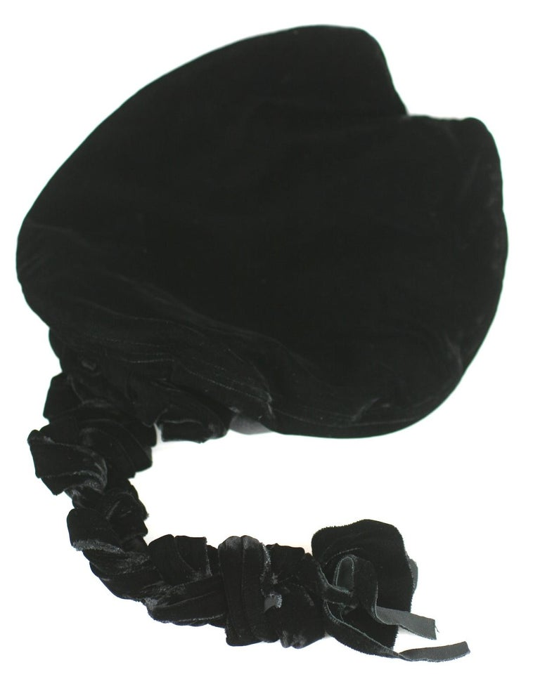 Women's or Men's Karl Lagerfeld Velvet Beret with Braid For Sale