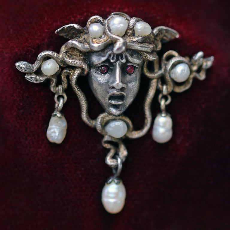 Karl Rothmüller Jugendstil Medusa Brooch In Good Condition For Sale In London, GB