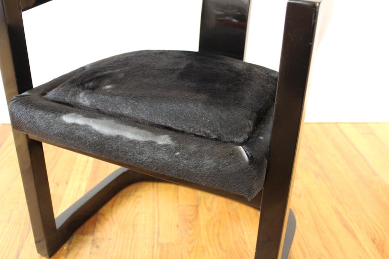Karl Springer Modern 'Onassis' Black Lacquer Armchairs with Pony Hair Seats For Sale 1