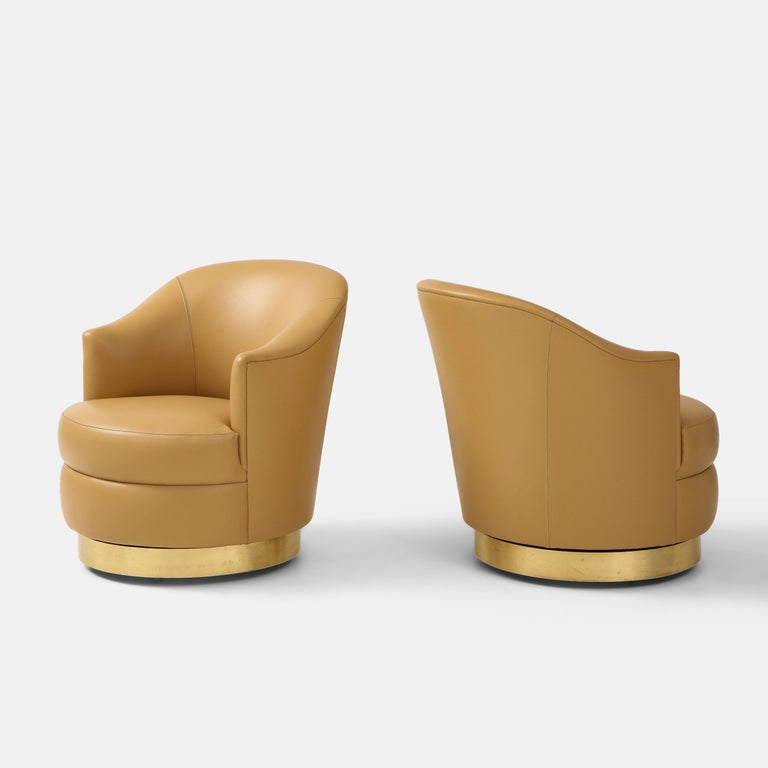 Late 20th Century Karl Springer Pair of Swivel Chairs in Camel Edelman Leather and Brass, 1980s For Sale