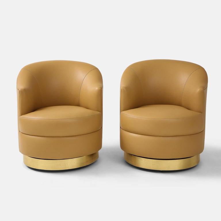 Karl Springer Pair of Swivel Chairs in Camel Edelman Leather and Brass, 1980s For Sale 1