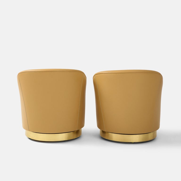 Karl Springer Pair of Swivel Chairs in Camel Edelman Leather and Brass, 1980s For Sale 3