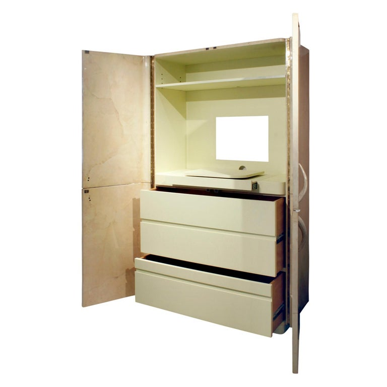 Hand-Crafted Karl Springer Rare Cabinet in Lacquered Goatskin with Horn Handles, 1970s For Sale