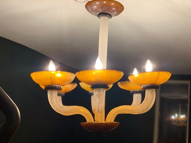 Karl Springer Seguso Fluted Cream and Amber Scavo Murano Glass Chandelier, 1980 For Sale 3