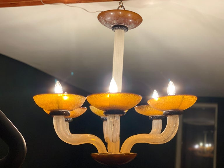 Karl Springer Seguso Fluted Cream and Amber Scavo Murano Glass Chandelier, 1980 For Sale 2