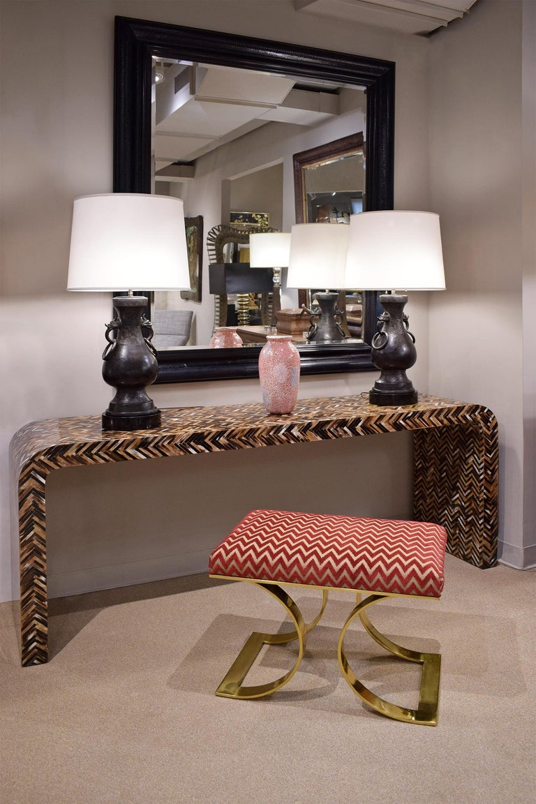 Karl Springer Waterfall Console Table in Lacquered Tessellated Horn, 1970s In Excellent Condition For Sale In New York, NY