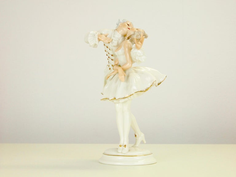 German Karl Tutter for Hutschenreuther Selb Kunstabteiling Romantic Figurine For Sale