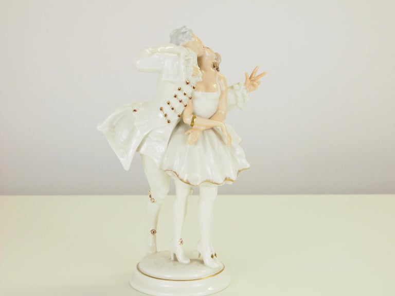 Porcelain Karl Tutter for Hutschenreuther Selb Kunstabteiling Romantic Figurine For Sale