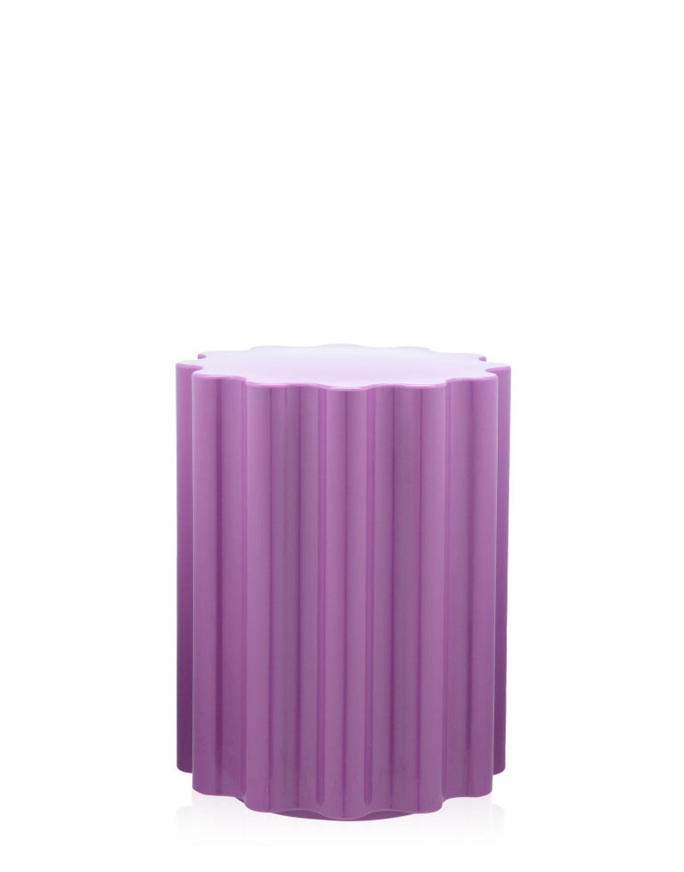 The Colonna stool is included in the Kartell goes Sottsass - A Tribute to Memphis collection, launched in 2015 in homage to the movement founded by design guru Ettore Sottsass. Colonna's main asset is its versatility, allowing it to be used as