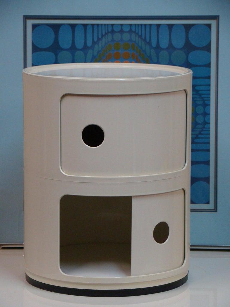 Vintage Kartell 2-section storage pedestal designed by Anna Castelli. At 15.75