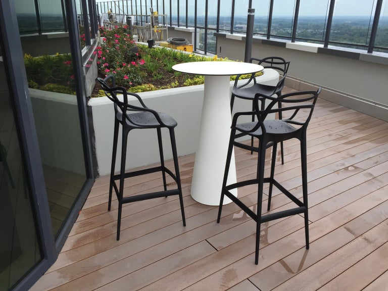 Kartell Masters Bar Stool in White by Philippe Starck & Eugeni Quitllet In New Condition For Sale In New York, NY