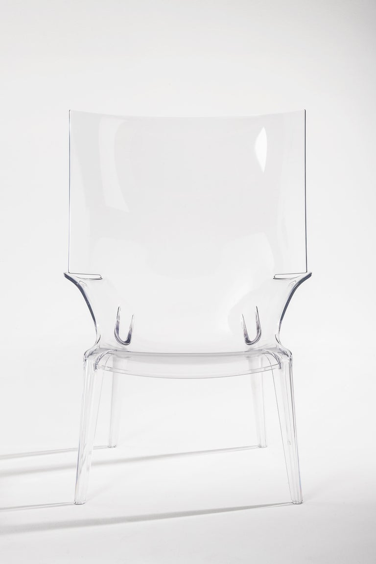 The Uncle collection designed by Philippe Starck adds the Uncle Jim armchair. The armchair echoes the lines and sinuosity of Uncle Jack and lends itself to broad range of furnishing needs.  Made of: Polycarbonate. Outdoor use.