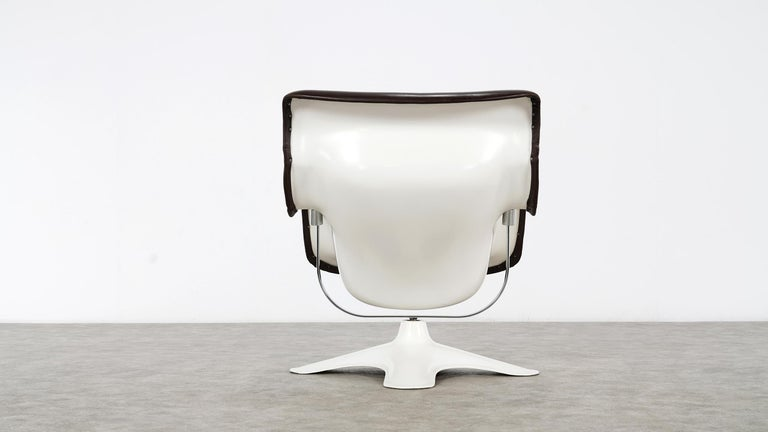 Leather Karusselli Lounge Chair, Designed in 1964 by Yrjö Kukkapuro for Artek, Finland For Sale