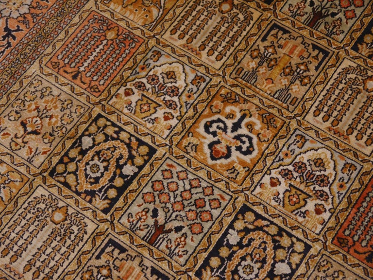 Kashmir Pure Silk Indian Rug with Panel Design In Good Condition For Sale In Lohr, Bavaria, DE
