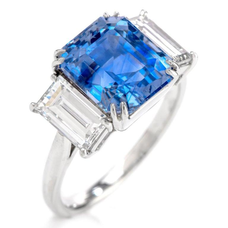 Women's or Men's Kashmir Sapphire No Heat Diamond Platinum 3-Stone Engagement Ring For Sale