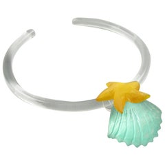 Kaso Rigid Lucite Choker Necklace Green Yellow Shell & Starfish