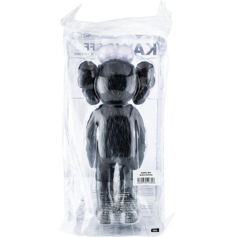 KAWS: BFF (Black) - Original Vinyl Sculpture, Street art, Pop Art. MOMA sold out For Sale 4