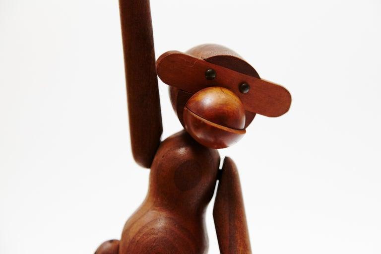 Kay Bojensen Denmark Early Edition Teak Wood Monkey, circa 1960 In Good Condition For Sale In Barcelona, Barcelona