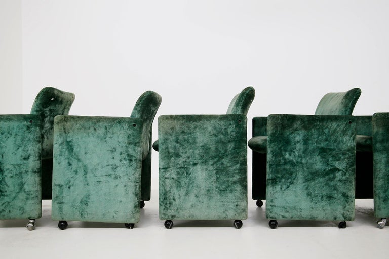 Kazuhide Takahama Set of 10 Chairs Green Mod. Montebello Production Gavina 1980s In Good Condition For Sale In Milano, IT
