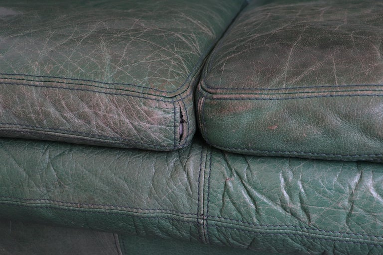 Kelly Green Leather Love Seat Sofa For Sale 4