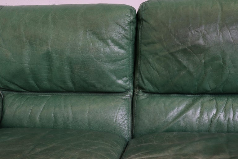 Kelly Green Leather Love Seat Sofa For Sale 3