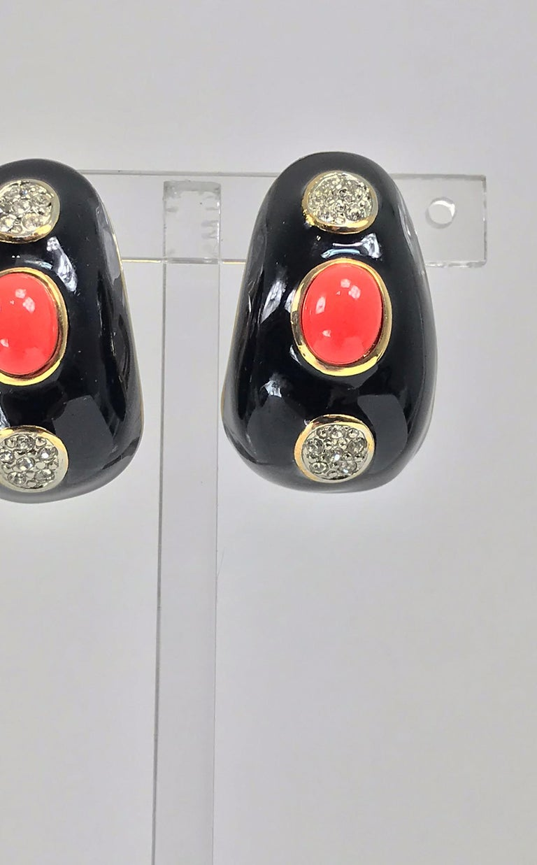 Kenneth Lane Black Enamel Coral and Rhinestone Earrings  In Excellent Condition For Sale In West Palm Beach, FL
