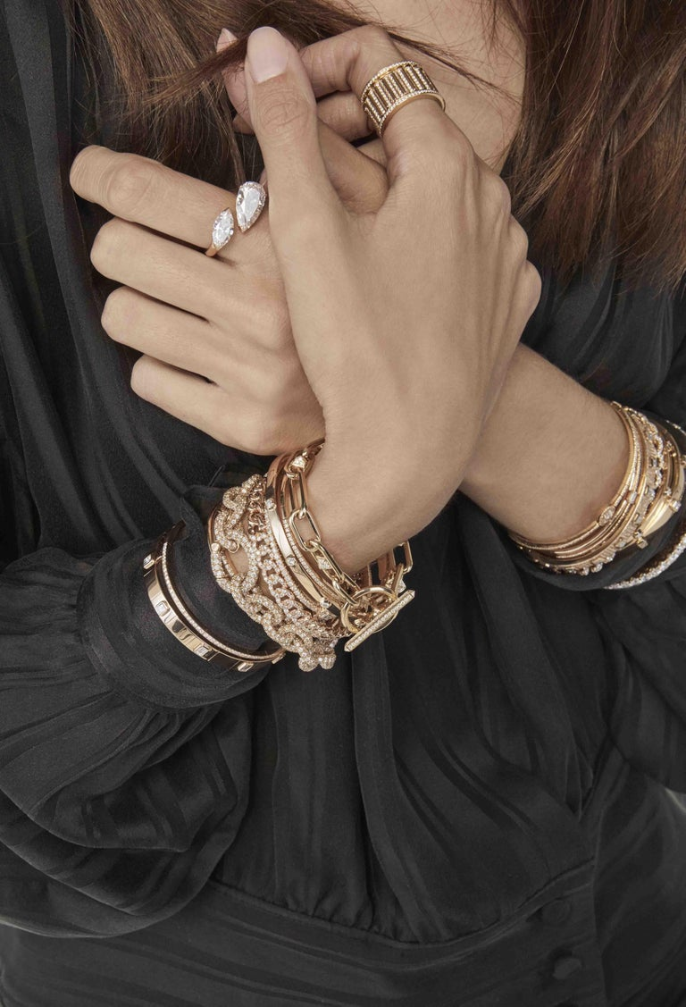 Kensington Diamonds Bracelet / Rose Gold. Bracelet with white brilliant cut diamonds (1,24 ct.) set in rose gold 18Kt.  Kensington, a new British redesign collection inspired by Kensington Gardens. Bracelets, earrings, necklaces and rings, gold and