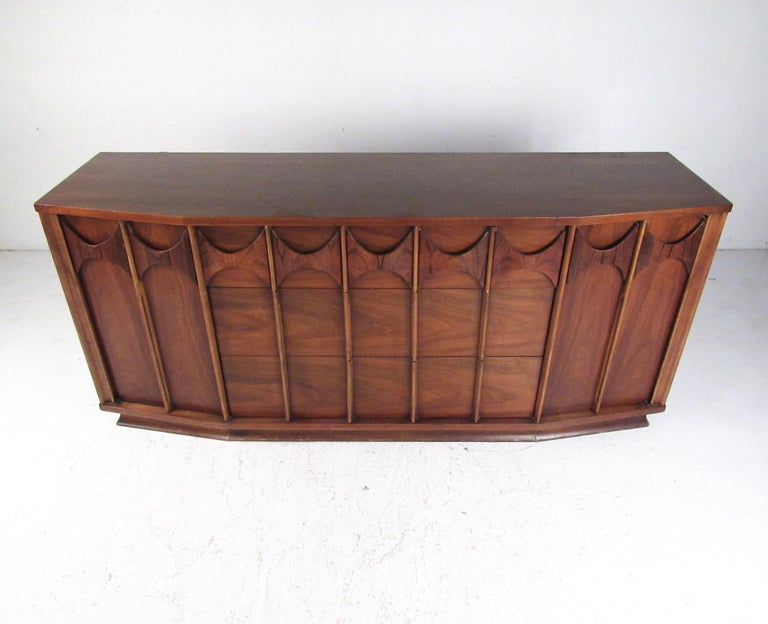 Mid-Century Modern Kent Coffey Perspecta Dresser in Rosewood and Walnut For Sale