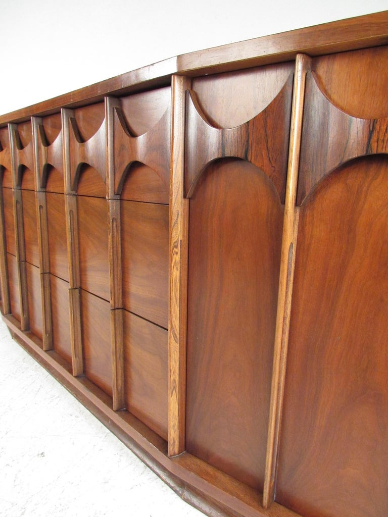 Kent Coffey Perspecta Dresser in Rosewood and Walnut In Good Condition For Sale In Brooklyn, NY