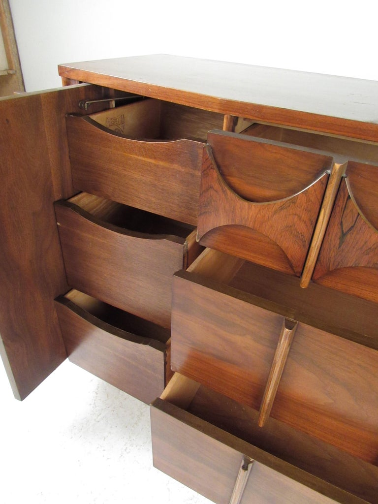 Mid-20th Century Kent Coffey Perspecta Dresser in Rosewood and Walnut For Sale