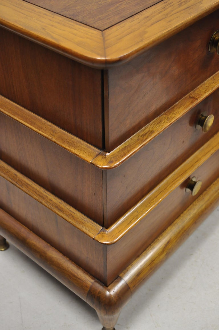 North American Kent Coffey The Appointment Midcentury Sculpted Walnut Nightstands, a Pair