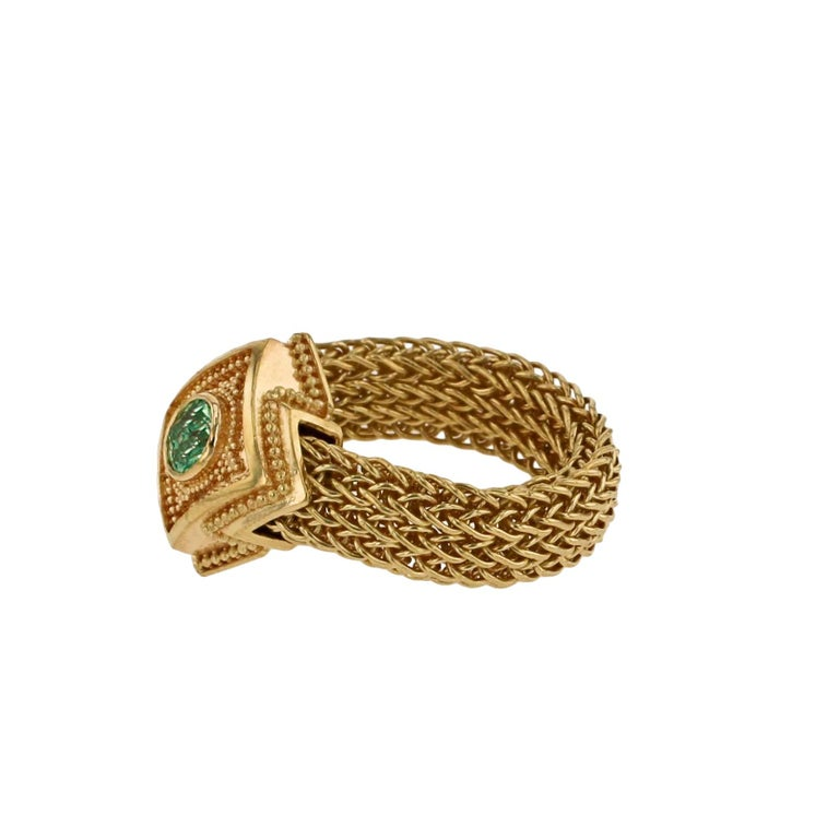 Artisan Kent Raible 18 Karat Gold Green Garnet Fashion Ring with Woven Chain For Sale