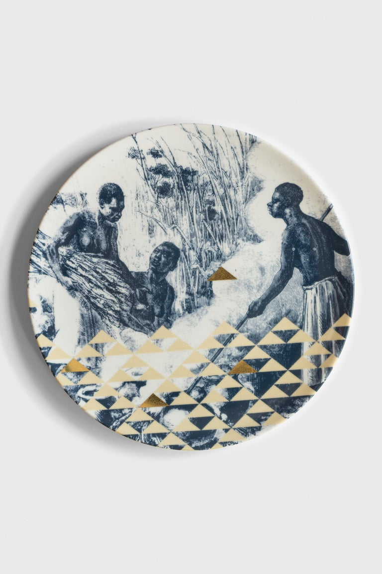 Kenya, Six Contemporary Porcelain Dinner Plates with Decorative Design For Sale 2