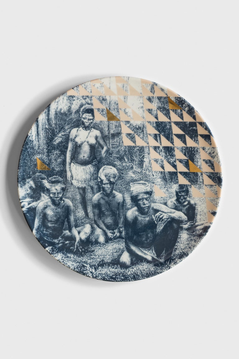 Kenya, Six Contemporary Porcelain Dinner Plates with Decorative Design For Sale 3