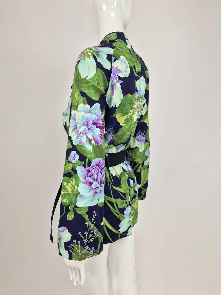 Kenzo Jungle tropical cotton print wrap jacket, 1980s In Excellent Condition For Sale In West Palm Beach, FL