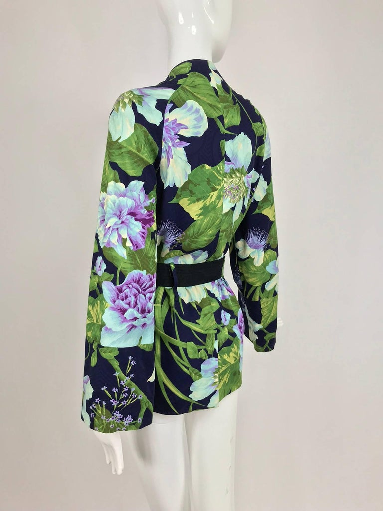 Women's Kenzo Jungle tropical cotton print wrap jacket, 1980s For Sale