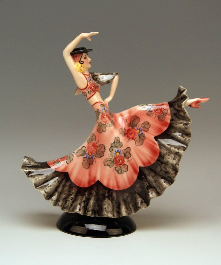 Keramos Spanish Lady Dancer Art Deco Model 1400 by Stefan Dakon Made circa 1930 In Excellent Condition For Sale In Vienna, AT