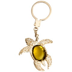 Keychain Sea Turtle Lemon Quartz Cabochon 58.20 Carat in Silver 925