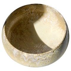 KH Würtz Large Cauldron Bowl in Sand Glaze