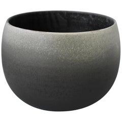 KH Würtz Short Bonshō Bell Shaped Planter in Grey Dégradé Glaze