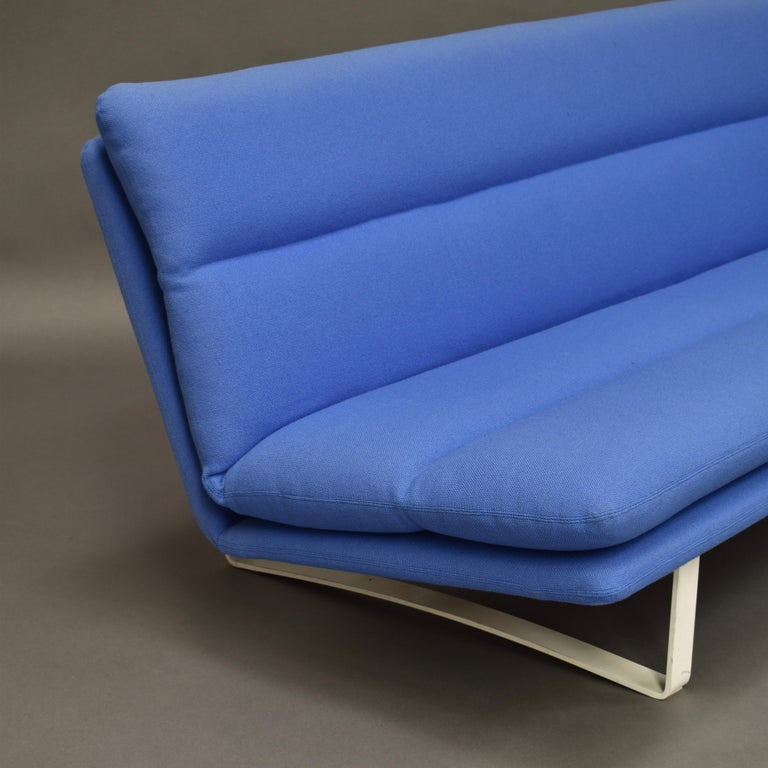 Kho Liang Ie C684 Three-Seat Sofa for Artifort, Netherlands, circa 1968 For Sale 5