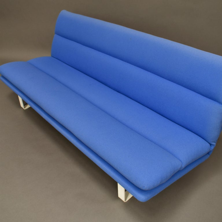 Mid-Century Modern Kho Liang Ie C684 Three-Seat Sofa for Artifort, Netherlands, circa 1968 For Sale