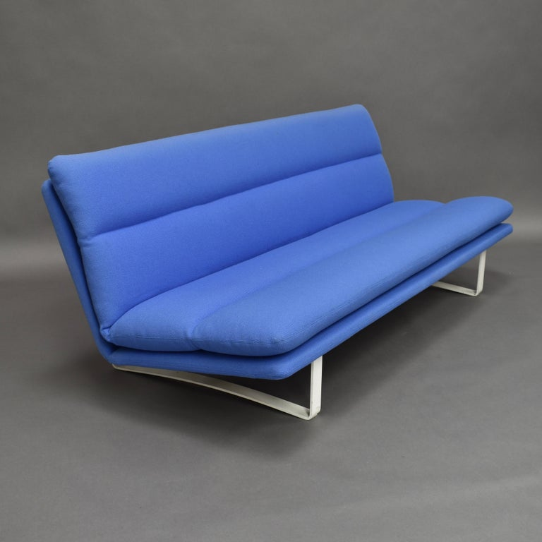 Kho Liang Ie C684 Three-Seat Sofa for Artifort, Netherlands, circa 1968 In Good Condition For Sale In Pijnacker, Zuid-Holland