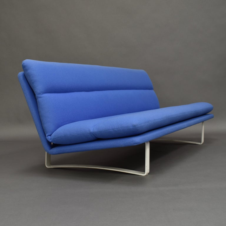 Mid-20th Century Kho Liang Ie C684 Three-Seat Sofa for Artifort, Netherlands, circa 1968 For Sale