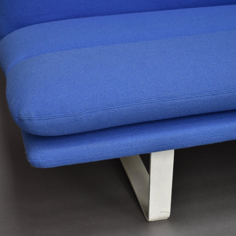 Kho Liang Ie C684 Three-Seat Sofa for Artifort, Netherlands, circa 1968 For Sale 2